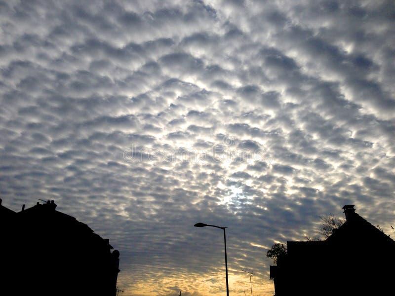 Ciel nuageux photographie stock libre de droits