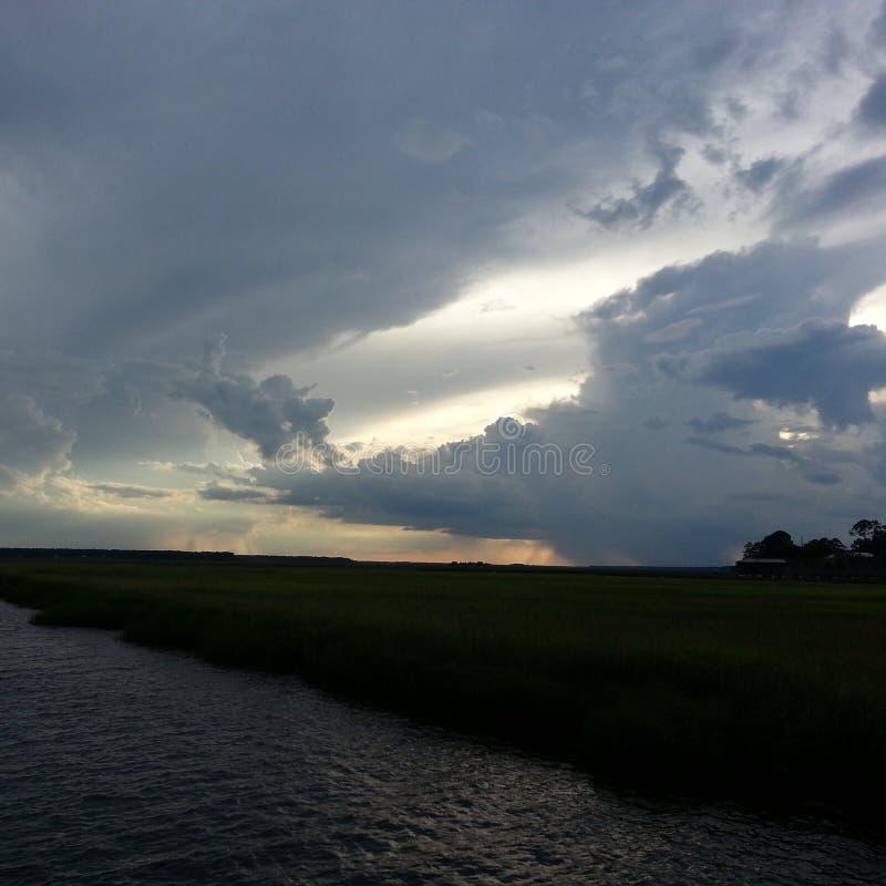 Ciel nuageux au-dessus du bord de mer de Marys de saint image libre de droits
