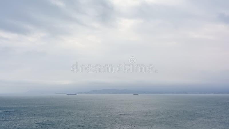 Ciel nuageux au-dessus du northsea photos stock