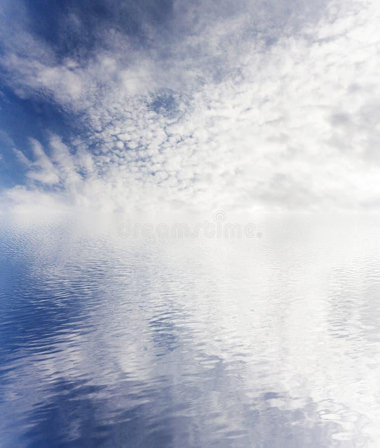 ciel nuageux d'océan images stock