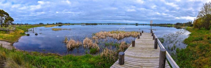 Ciel nuageux panoramique de lac Winslow images stock