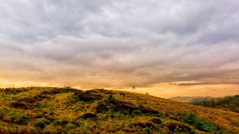 ciel pluvieux photos stock