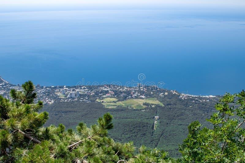 Ciel propre impressionnant Vue panoramique aérienne du paysage urbain Beau panorama de la ville du vol d'oeil d'oiseau image libre de droits