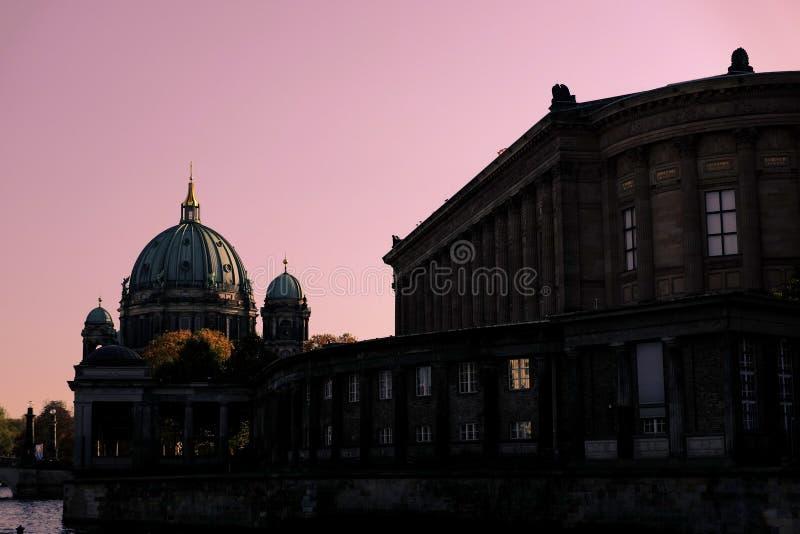 Ciel rose à Berlin photos libres de droits