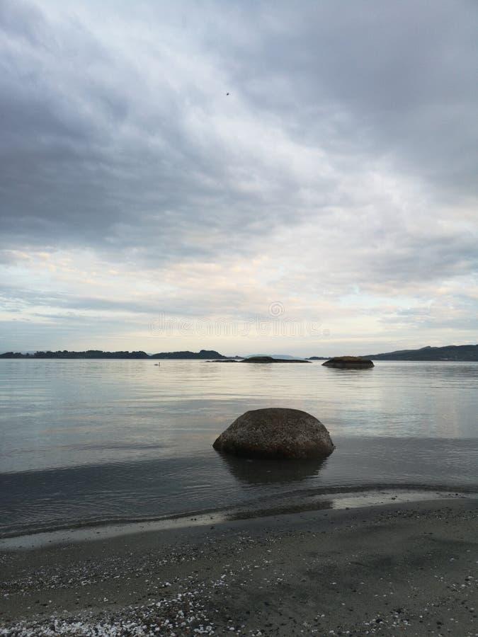 Cieli nuvolosi nel pomeriggio fotografie stock libere da diritti