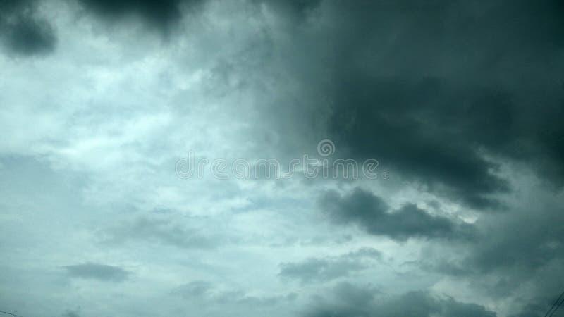 Cieli scuri fotografie stock libere da diritti