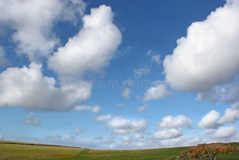 Cielo abierto de par en par fotos de archivo