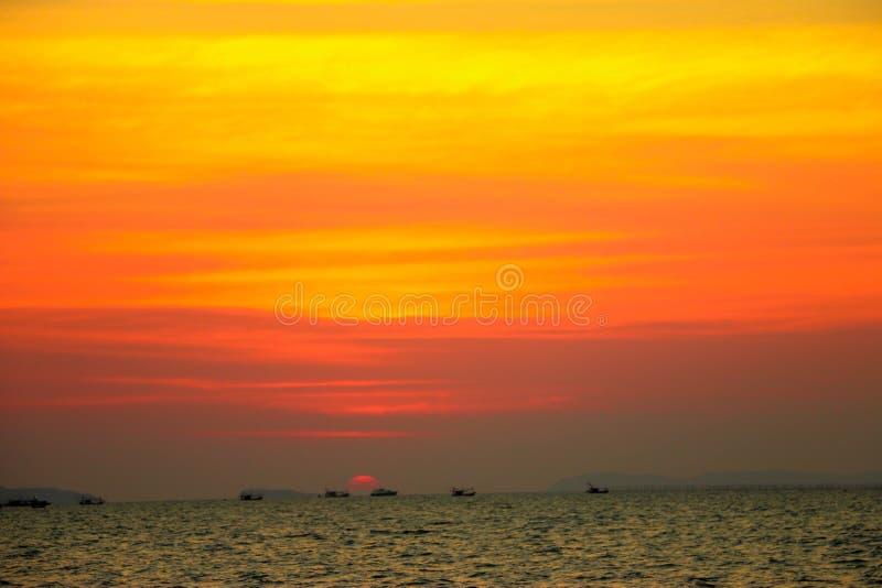 Cielo anaranjado fotos de archivo