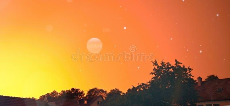 Cielo arancione immagini stock