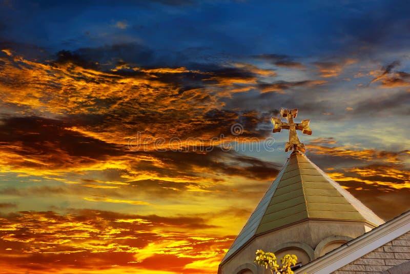 Cielo armenio apostólico de la cruz de la iglesia imagen de archivo libre de regalías