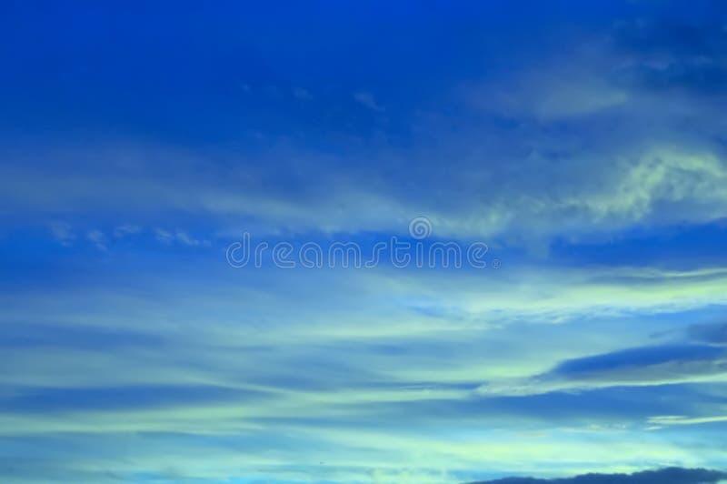 Cielo Azul Imagen De Archivo Gratis