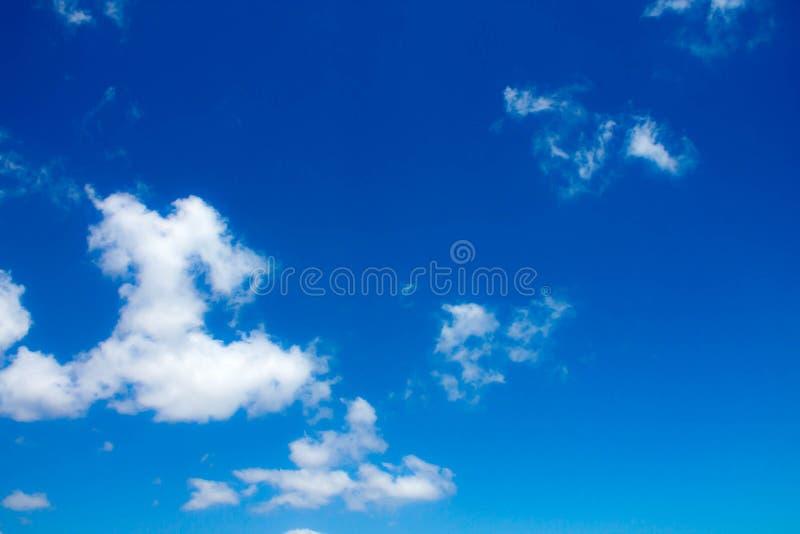 Download Cielo azul foto de archivo. Imagen de atmósfera, vapor - 42440232