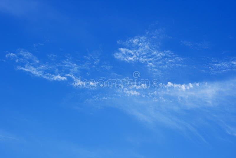 Cielo azul del verano foto de archivo libre de regalías