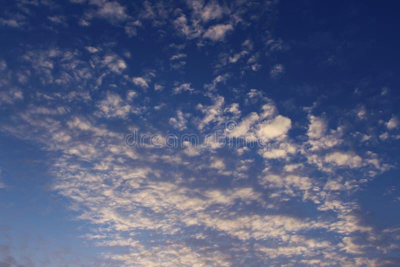 Cielo azul en Santiago foto de archivo libre de regalías