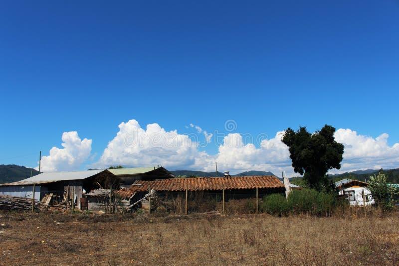 Cielo azul en Santiago foto de archivo