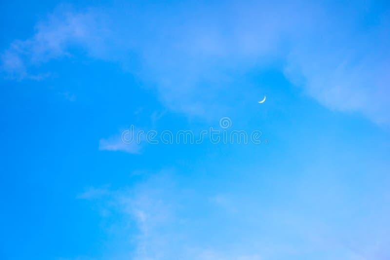 Cielo azul hermoso con el fondo de la formación de la nube fotos de archivo libres de regalías