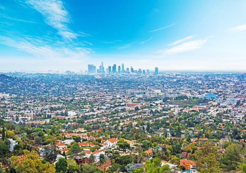 Cielo azul sobre Los Ángeles fotos de archivo