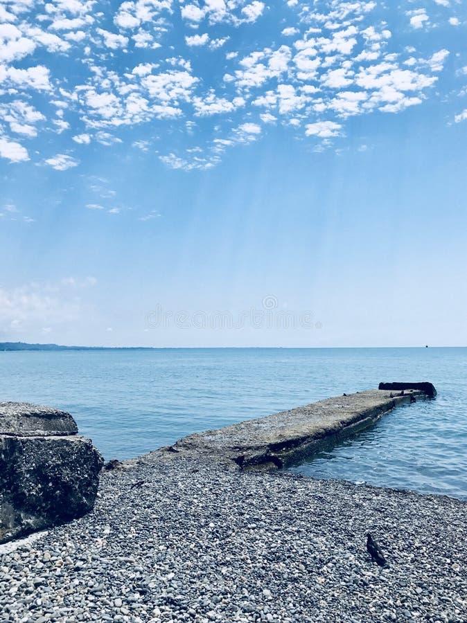 Cielo azul y mar fotografía de archivo libre de regalías