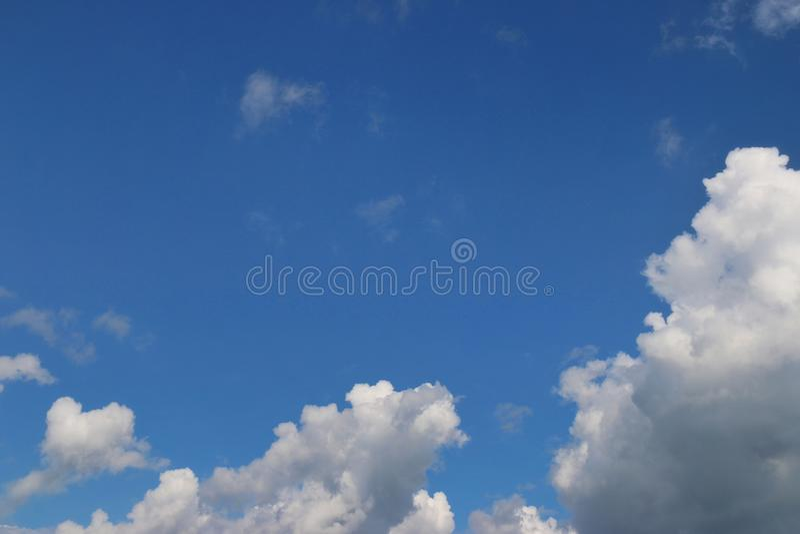 Cielo azul y nube imagen de archivo libre de regalías