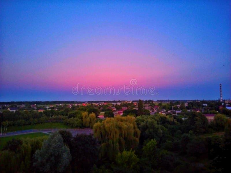 Cielo azul y rosado imágenes de archivo libres de regalías