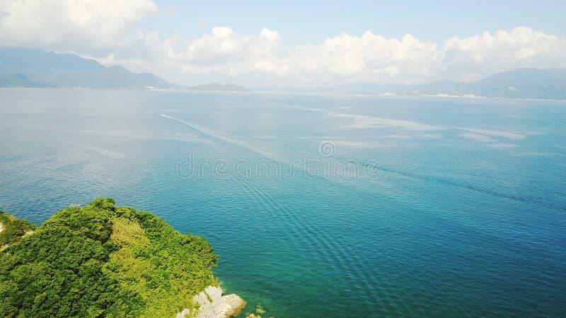 cielo azulverde del mar fotografía de archivo libre de regalías