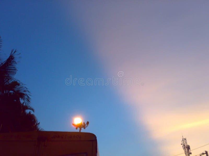 Cielo bicolor fotografía de archivo libre de regalías