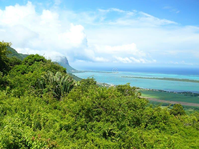 Cielo blu del mare della spiaggia di Mauricius fotografie stock