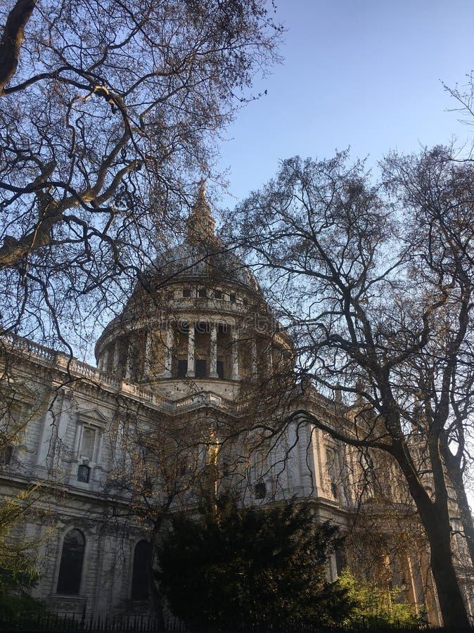 Cielo blu di Pauls London del san fotografia stock