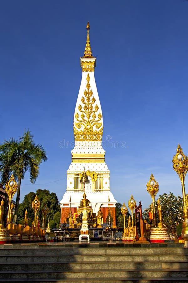 Cielo claro Chedi Phra que Phanom foto de archivo libre de regalías