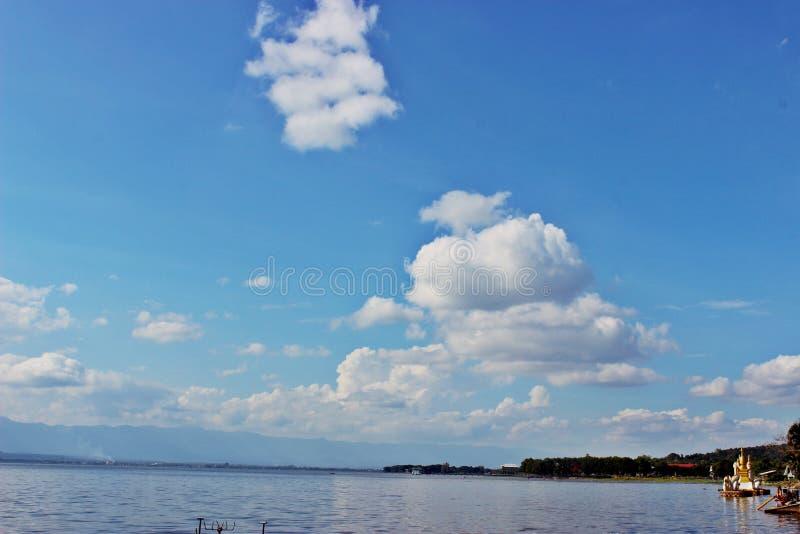 Cielo con acqua fotografia stock libera da diritti