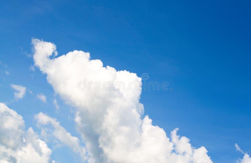 Cielo con le nubi immagine stock