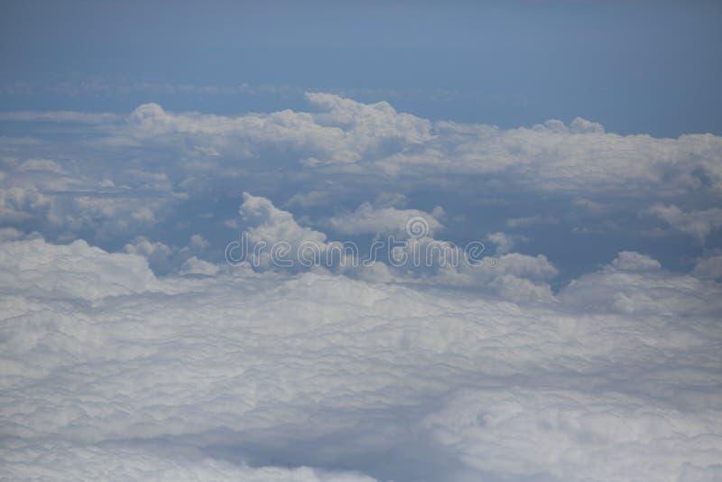 Cielo con le nuvole, immagine, fondo, scenario naturale fotografia stock libera da diritti