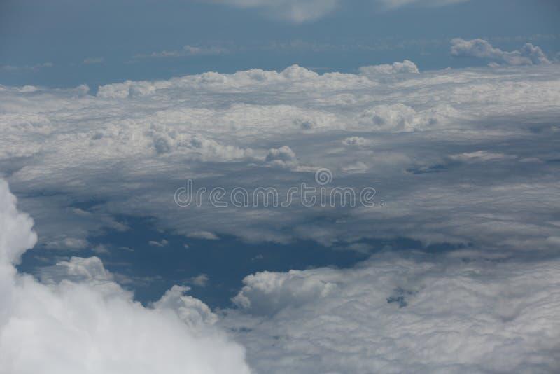 Cielo con le nuvole, immagine, fondo, scenario naturale immagine stock libera da diritti