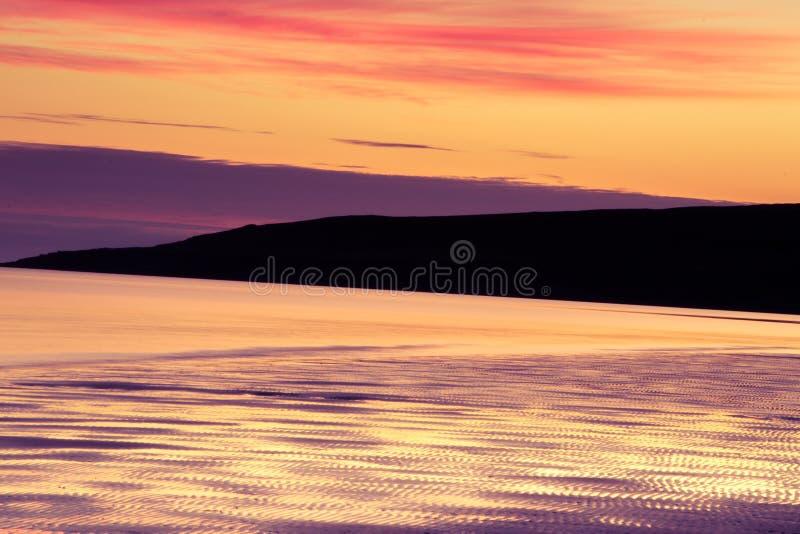 Cielo crepuscolare e nuvola di panorama splendido all'immagine di sfondo di mattina immagine stock