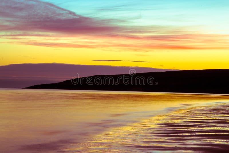 Cielo crepuscolare e nuvola di panorama splendido all'immagine di sfondo di mattina fotografie stock libere da diritti