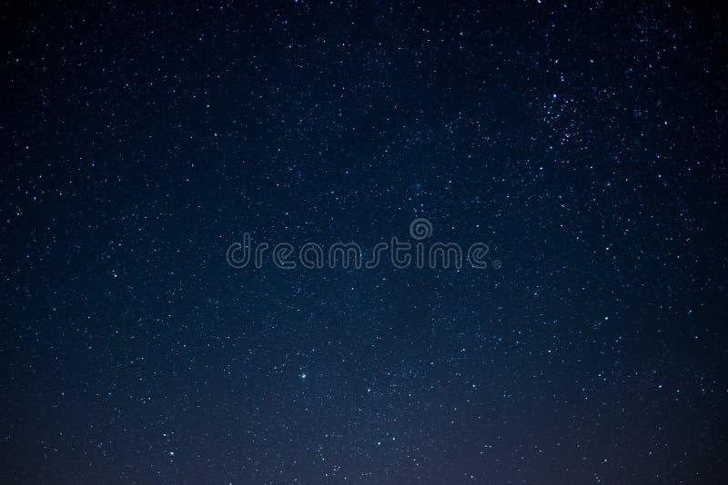 Cielo de la estrella en la noche, fondo del espacio imagen de archivo libre de regalías