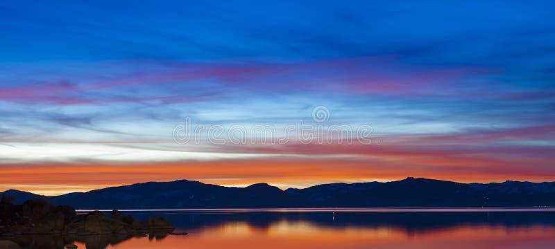 Cielo de la puesta del sol del lago Tahoe fotos de archivo libres de regalías