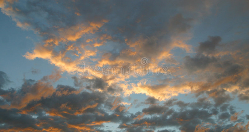 Cielo de la tarde fotografía de archivo
