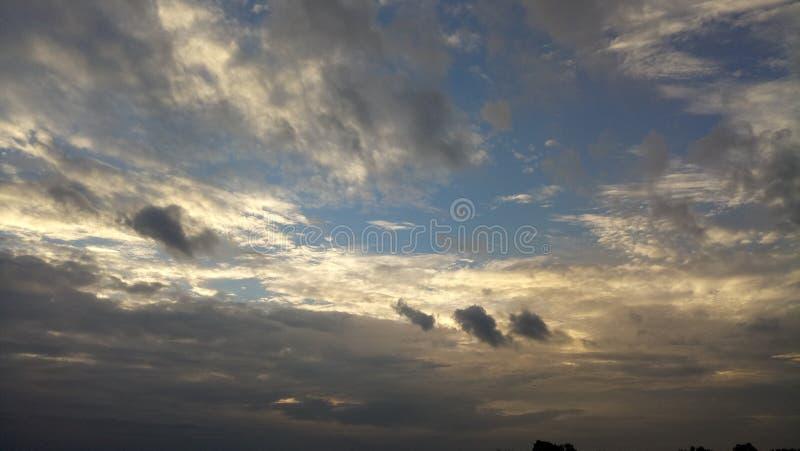 Cielo de la tarde foto de archivo libre de regalías