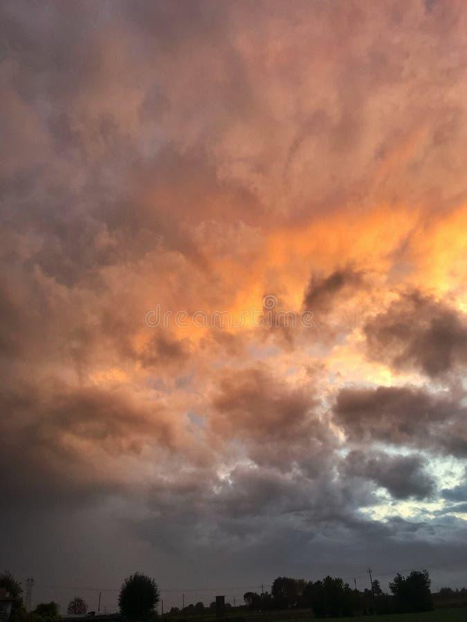 Cielo de octubre foto de archivo