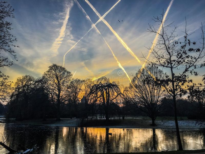 Cielo del invierno de Noorderplantsoen imagen de archivo libre de regalías