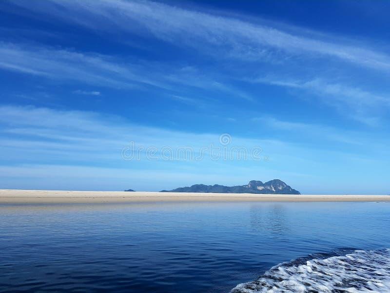 Cielo del mar de Tailandia del trang de Kohmook fotografía de archivo libre de regalías
