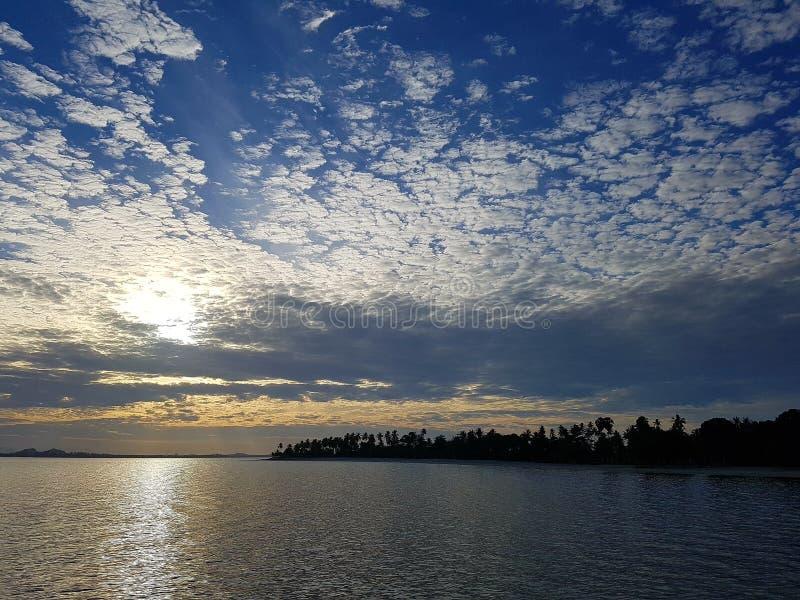 Cielo del mar de Tailandia del trang de Kohmook foto de archivo libre de regalías