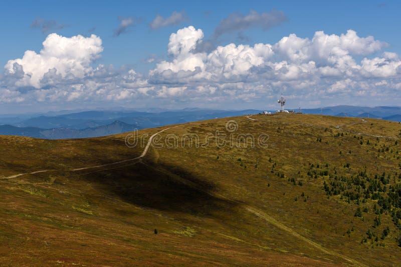 Cielo del top del repetidor de las montañas imágenes de archivo libres de regalías