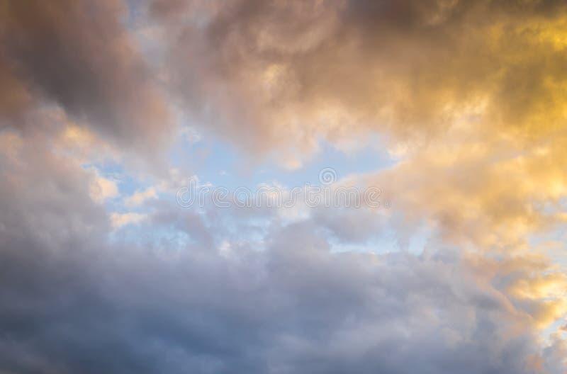 Cielo dell'Blu-oro immagine stock libera da diritti