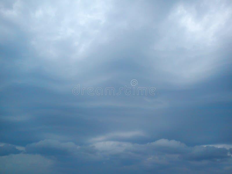 Cielo della tempesta sopra il Mar Nero immagini stock libere da diritti