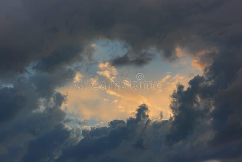 Cielo delle nuvole di temporale fotografia stock