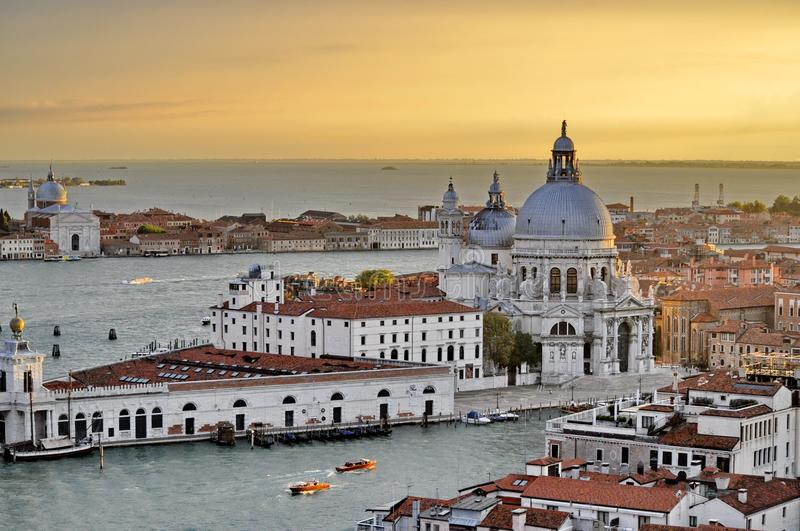 Cielo di prima serata sopra Venezia fotografie stock libere da diritti