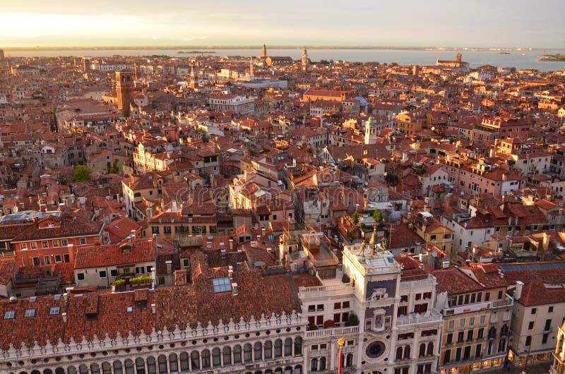 Cielo di prima serata sopra Venezia fotografia stock libera da diritti