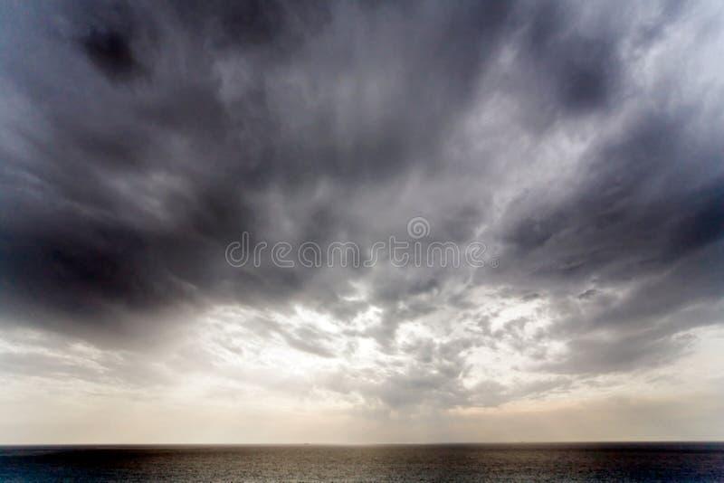 Cielo drammatico immagini stock libere da diritti